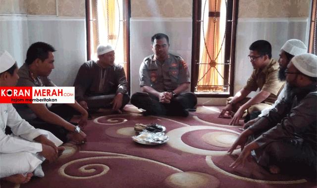Silaturahmi Kapolres Mataram Dengan Ketua dan Pengurus Yayasan Al-Imam Asy-syafi'i